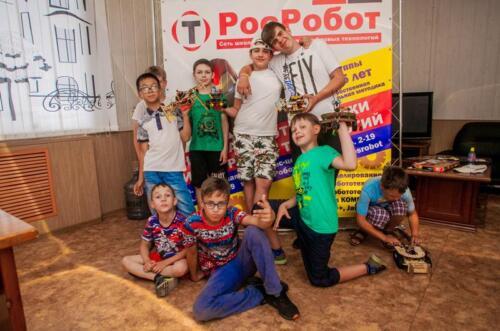 Команда учеников РосРобот